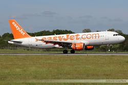 Airbus A320-214 EasyJet G-EZTF