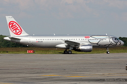 Airbus A320-214 Niki OE-LEG