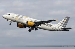 Airbus A320-214 Vueling EC-JZQ