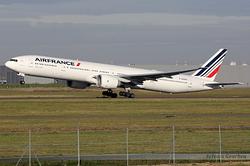 Boeing 777-328/ER Air France F-GSQO
