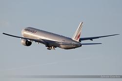 Boeing 777-328/ER Air France F-GSQN