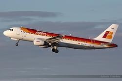Airbus A320-216 Iberia EC-LXQ