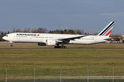Boeing 777-328/ER Air France F-GSQX