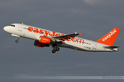 Airbus A320-214 EasyJet Airline G-EZWF
