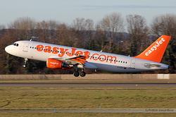 Airbus A320-214 EasyJet Airline G-EZTI