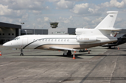 Dassault Falcon 900DX Global Jet Luxembourg LX-SVW