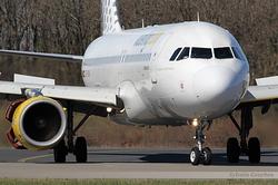 Airbus A320-214 Vueling EC-HDK