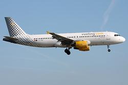Airbus A320-214 Vueling Airlines EC-KBU