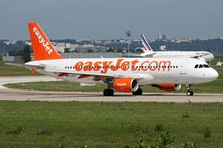 Airbus A320-214 easyJet G-EZTD