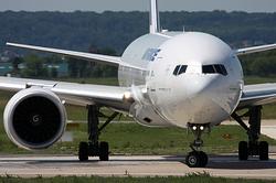Boeing 777-328/ER Air France F-GSQT