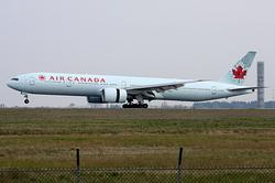 Boeing 777-333/ER Air Canada C-FIVM