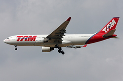 Airbus A330-223 TAM Linhas Aéreas PT-MVQ