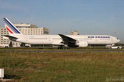 Boeing 777-328(ER) Air France F-GSQY