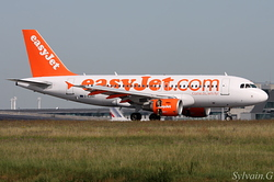 Airbus A319-111 easyJet G-EZBZ