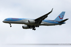 Boeing 757-236 Thomson Airways G-OOBH
