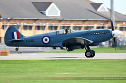 Supermarine 389 Spitfire PR19 Royal Air Force PS915