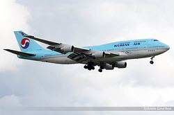 Boeing 747-4B5 Korean Air HL7493