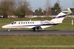 Cessna 550B Citation Bravo Sky Diving F-GVUJ