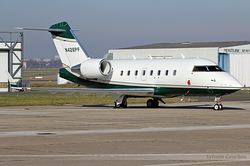 Bombardier Challenger 604 N426PF
