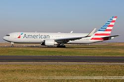 Boeing 767-323/ER American Airlines N384AA