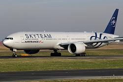Boeing 777-328ER Air France F-GZNN