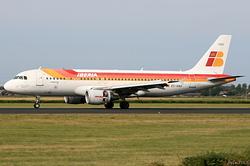 Airbus A320-214 Iberia EC-HAG
