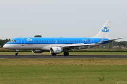 Embraer 190-100STD KLM Cityhopper PH-EZB