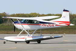 Cessna 185 Skywagon PH-DUK