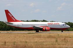 Boeing 737-330 Jet2 G-CELR