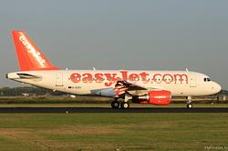 Airbus A319-111 easyJet G-EZFI