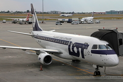 Embraer ERJ-175LR LOT Polish Airlines SP-LIN