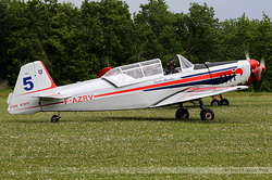 Zlin 526 F-AZRV