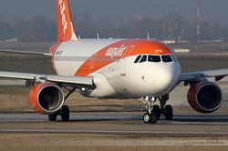 Airbus A320-214 easyJet G-EZPR