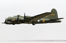 Boeing B-17G Flying Fortress 124485 / DF-A / G-BEDF