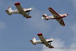 Zlin 526F Romanian Airclub YR-ZAJ & Zlin 142 Romanian Airclub YR-ZCK & YR-ZCG