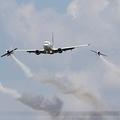 Boeing 737-78J Tarom - Romanian Air Transport YR-BGH & Romanian Aerobatic Team