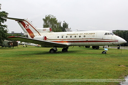 Yakovlev Yak-40 Polish Air Force 037