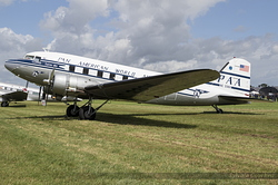 Douglas DC-3C NC33611