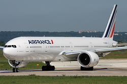 Boeing 777-328/ER Air France F-GZNH