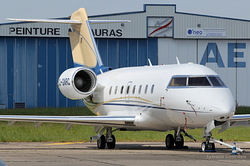Bombardier CL-600-2B16 Challenger 604 C-GNRC