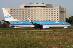 Boeing 737-8K2/W KLM Royal Dutch Airlines PH-BXZ