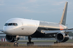 Boeing 757-256 Titan Airways G-ZAPX