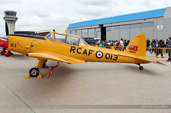 De Havilland DHC-1 Chipmunk 22A EC-LVH