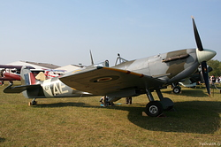 Supermarine Spitfire LF-Vb Royal Air Force  AE-A / EP-120