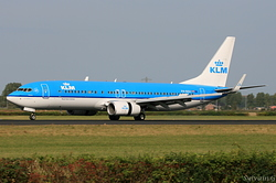 Boeing 737-8BK KLM Royal Dutch Airlines PH-BXU