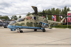 Mil Mi-24P Hind F Russian Air Force RF-91076 / 02 Red