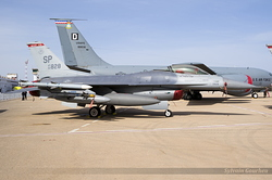 General Dynamics F-16CM Fighting Falcon US Air Force 90-0828 / SP